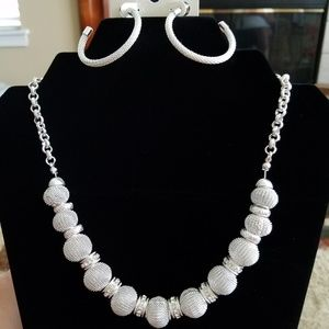 NWT - TRIFARI necklace and earring set, silver